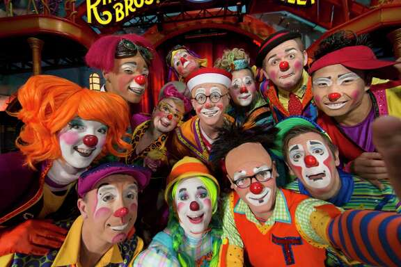 Ringling Bros. and Barnum & Bailey's Circus Xtreme. A reader likens the Democratic presidential hopefuls to circus clowns.