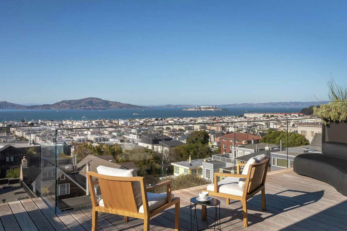 Alcatraz, San Francisco Bay and the Marin Headlands are visible from the roof deck crowning 2646 Union St.