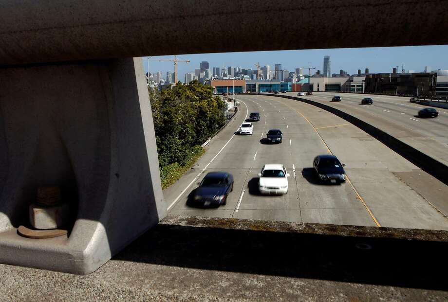 This photo shows traffic streaming out of downtown San Francisco, Ca. on the southbound section of the I-280 freeway in 2014. Officials identified a 31-year-old man killed in a single-vehicle crash on an off-ramp from southbound I-280 in San Francisco on Sunday, Dec. 1, 2019. Photo: Michael Macor / The Chronicle