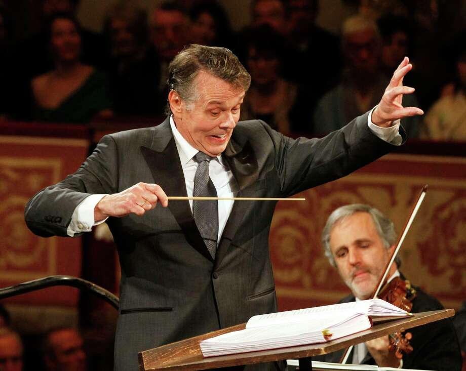 File---Picture taken Jan.1, 2012 shows Latvian conductor Mariss Jansons conducting the Vienna Philharmonic Orchestra during the traditional New Year's Concert at Vienna's Musikverein. Jansons died 76 years old. (AP Photo/Ronald Zak) Photo: Ronald Zak / Copyright 2019 The Associated Press. All rights reserved.