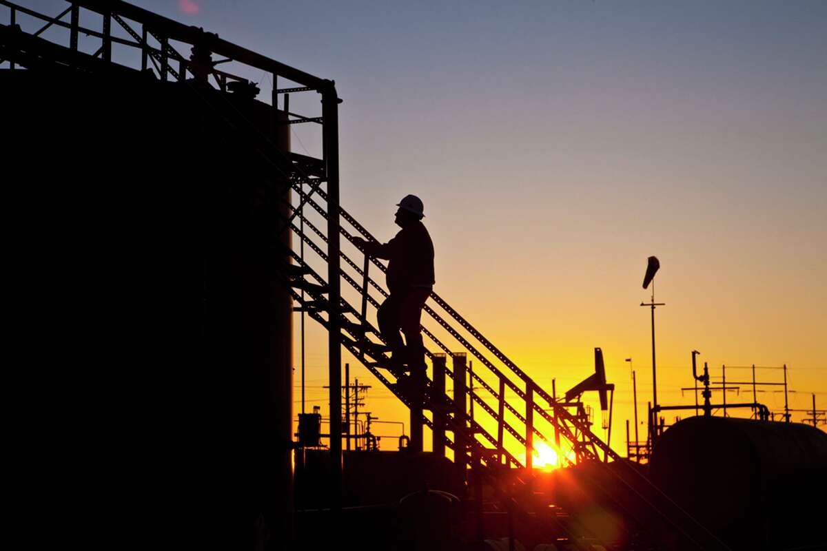 Iran and the economy are expected to drive oil prives this week.