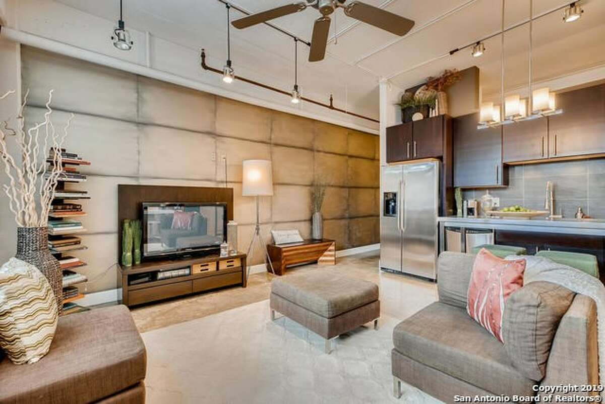 831 S Flores St UNIT 2213, San Antonio TX, 78204 $259,000 Bedroom 1, Bathroom 1 750 sqft MLS# 1412688