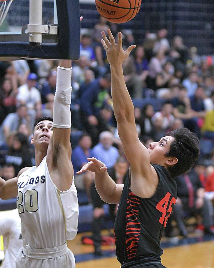 Martin is one of eight Laredo teams to compete in the Border Olympics from Thursday-Saturday this week. Photo: Cuate Santos /Laredo Morning Times / Laredo Morning Times