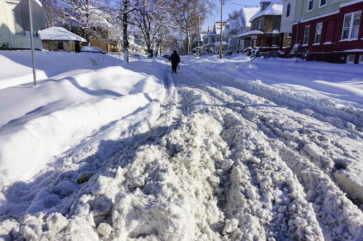 A lot of snow still covers a good portion of Linden Street on Tuesday morning, Dec. 3, 2019, in Schenectady, N.Y. (Paul Buckowski/Times Union)