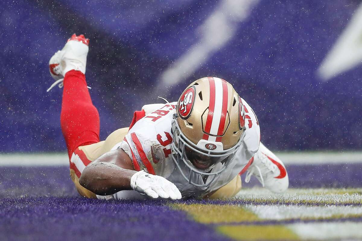 BALTIMORE, MARYLAND - DECEMBER 01: Raheem Mostert #31 of the San Francisco 49ers celebrates scoring a touchdown during the second quarter against the Baltimore Ravens at M&T Bank Stadium on December 01, 2019 in Baltimore, Maryland. (Photo by Scott Taetsch/Getty Images)