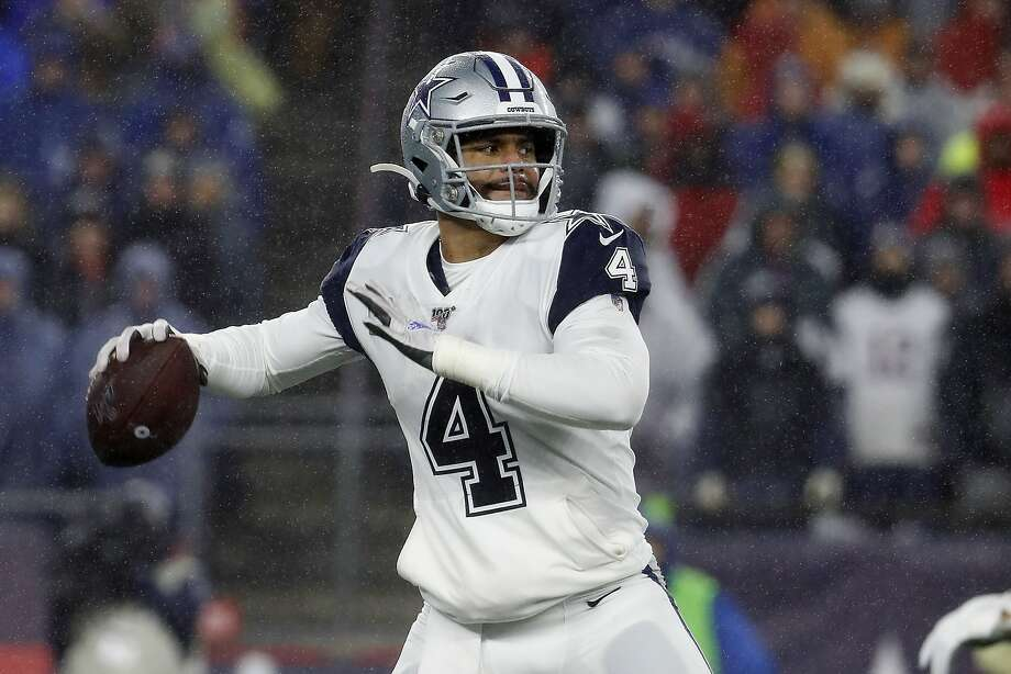 In a matchup of 6-6 NFC teams, quarterback Dak Prescott and the Cowboys face the Bears in Chicago at 5:20 p.m. Thursday (Channels 2, 40, NFL Network/1050). Photo: Winslow Townson / Associated Press