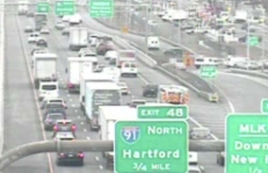 Traffic slows on I-95 north in New Haven on Wednesday, Dec. 4, 2019. Photo: CT DOT