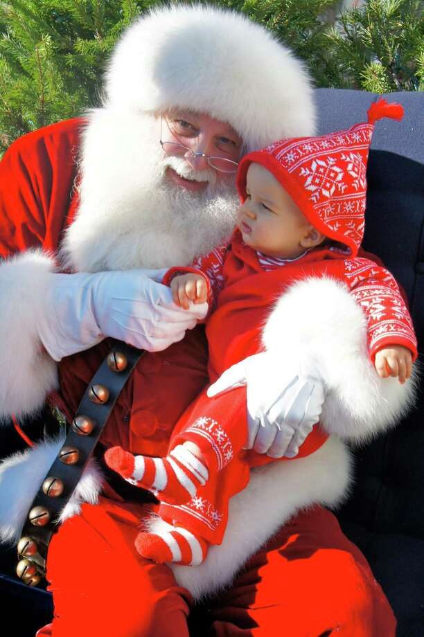 Santa will arrive in New Canaan during the 15th annual Holiday Stroll on Friday, Dec. 6. Photo: New Canaan Chamber Of Commerce / Contributed Photo / New Canaan Advertiser Contributed