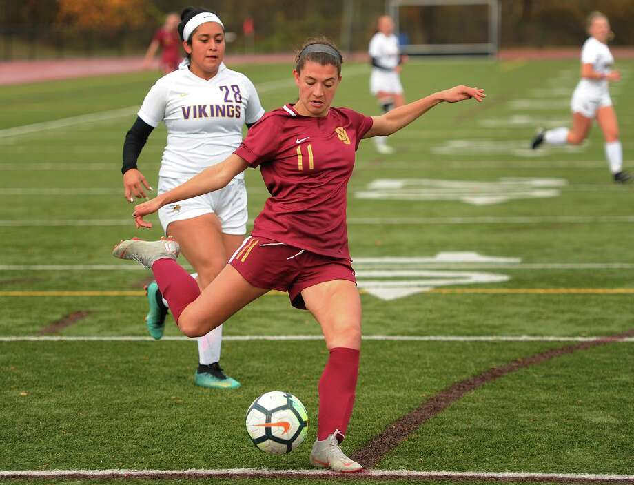 St. Joseph's Maddie Fried fires a shot on goal during the first half of her team's victory over Westhill in the Class LL girls soccer state tournament at St. Joseph High School in Trumbull, Conn. on Monday, November 5, 2018. Photo: Brian A. Pounds / Hearst Connecticut Media / Connecticut Post