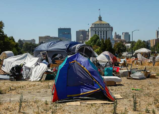 Oakland proposes crackdown on homeless campers in parks and on sidewalks