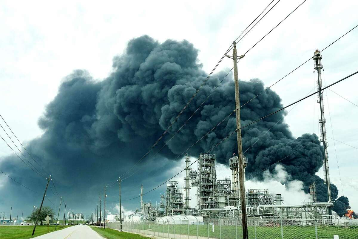 A plume of smoke from a petrochemical fire at Intercontinental Terminals Company in Deer Park is seen burning on Monday, March 18, 2019.