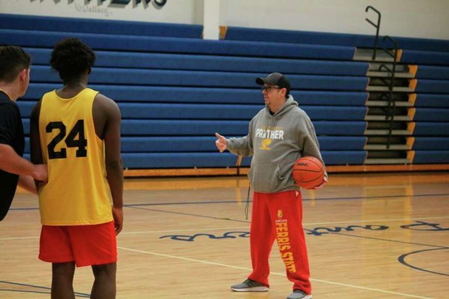 Baldwin basketball coach JJ Eads instructs his team during a Monday practice. (Star photo/John Raffel)