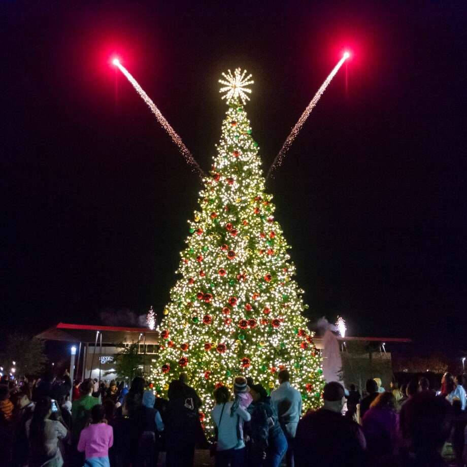 Hundreds of people came out as the City of Beaumont held their annual celebration of the lighting of the city Christmas tree on Wednesday, December 4, 2019 at the Downtown Event Centre with fireworks, live music, dance, food trucks and other vendors. Santa and the Frozen princesses were also on hand to delight the little ones. Fran Ruchalski/The Enterprise Photo: Fran Ruchalski/The Enterprise