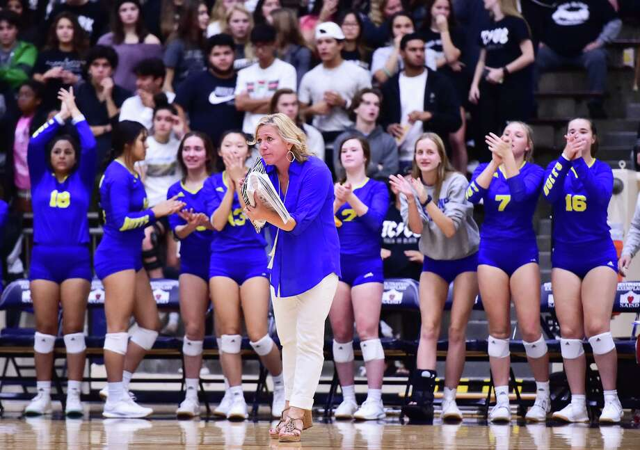 Clemens coach Robyn Wunderlich was named Texas Girls Coaches Association Class 6A-5A volleyball coach of the year. Photo: Robin Jerstad /Contributor / **MANDATORY CREDIT FOR PHOTOG AND SAN ANTONIO EXPRESS-NEWS/NO SALES/MAGS OUT/TV