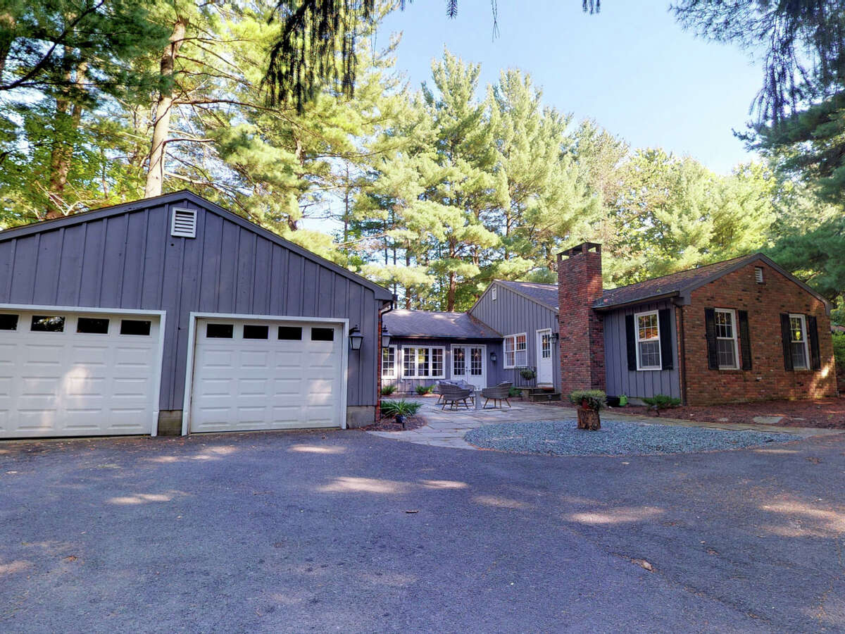 House of the Week: 50 Schuyler Rd., Loudonville | Realtor: Alex Monticello of Monticello Real Estate | Discuss: Talk about this house