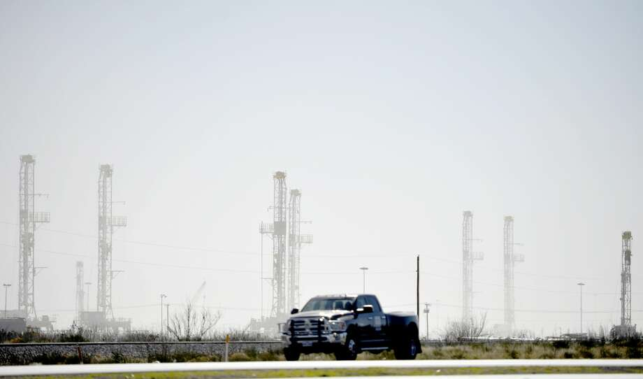 Rig counts across the U.S., in Texas and the Permian Basin reported steep drops for a second consecutive week, according to oil field services company Baker Hughes. Photo: James Durbin/Midland Reporter-Telegram