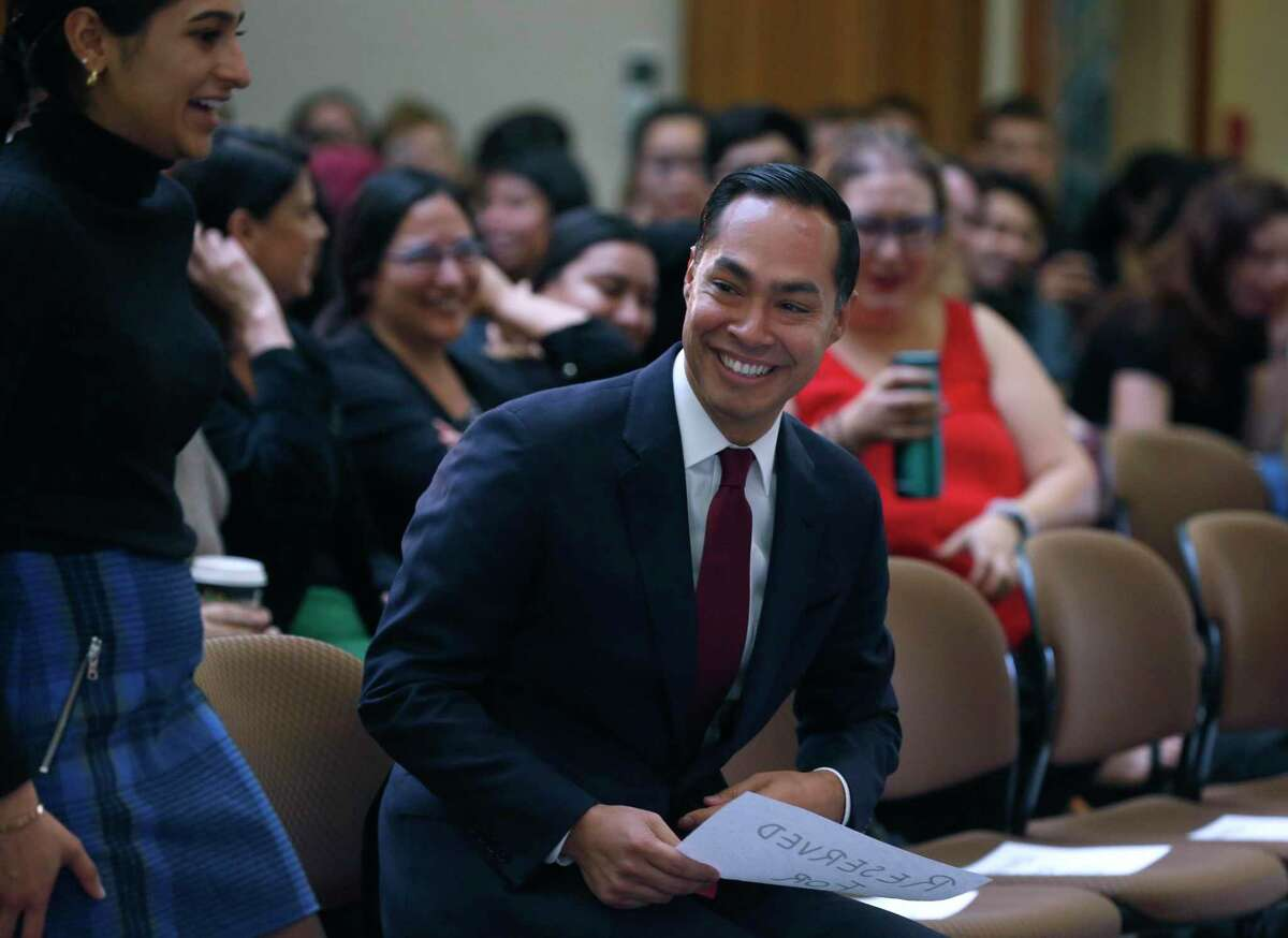 Former San Antonio Mayor Julián Castro chatted with