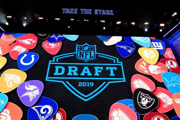 "Schools with the most players drafted in 2019 Unlike previous years, the 2019 NFL Draft held a reasonable amount of suspense leading into the first overall pick. The Arizona Cardinals had not gone public about their intent to draft Oklahoma Sooners quarterback Kyler Murray and were yet to find a trade partner for last year's first-round quarterback selection, Josh Rosen (10th overall). The Cardinals ultimately took Murray (and Rosen was sent to the Miami Dolphins) in what marked the second consecutive year a Heisman Trophy-winning Oklahoma quarterback was taken with the first overall selection. Now, the Cardinals hope to yield the type of returns the Browns saw in 2018 with Baker Mayfield. NFL offenses are moving toward wide-open, collegiate-style offenses, and coordinators are increasingly beginning to favor dual-threat options; so it only makes sense that quarterbacks with pedigrees like Mayfield, Murray, Lamar Jackson, and Josh Allen are what franchises in need of signal-callers seek. While Oklahoma continues a run of producing top-of-the-draft talent, the need to combat offenses that emphasize speed and versatility means schools well known for churning out top-level defensive talent saw many of their players turn pro. In total, 102 schools had at least one player selected on draft weekend. While the draft board was dominated by perennial powerhouse programs, there was still room for some lesser-known schools to have their moment. Houston DT Ed Oliver (ninth overall to the Bills) and Alabama State OT Tytus Howard (23rd overall to the Texans) were each taken in the first round and hail from schools outside of the ""Power Five"" conferences. To break it all down, Stacker has ranked schools by the number of players selected during the 2019 NFL Draft. To make it into this gallery, schools had to have had four or more players drafted. Ties were broken by the highest draft pick. Read on to find out which schools top the list-and which teams those players now call their own. You may also like: Oldest teams in the NFL This slideshow was first published on theStacker.com"