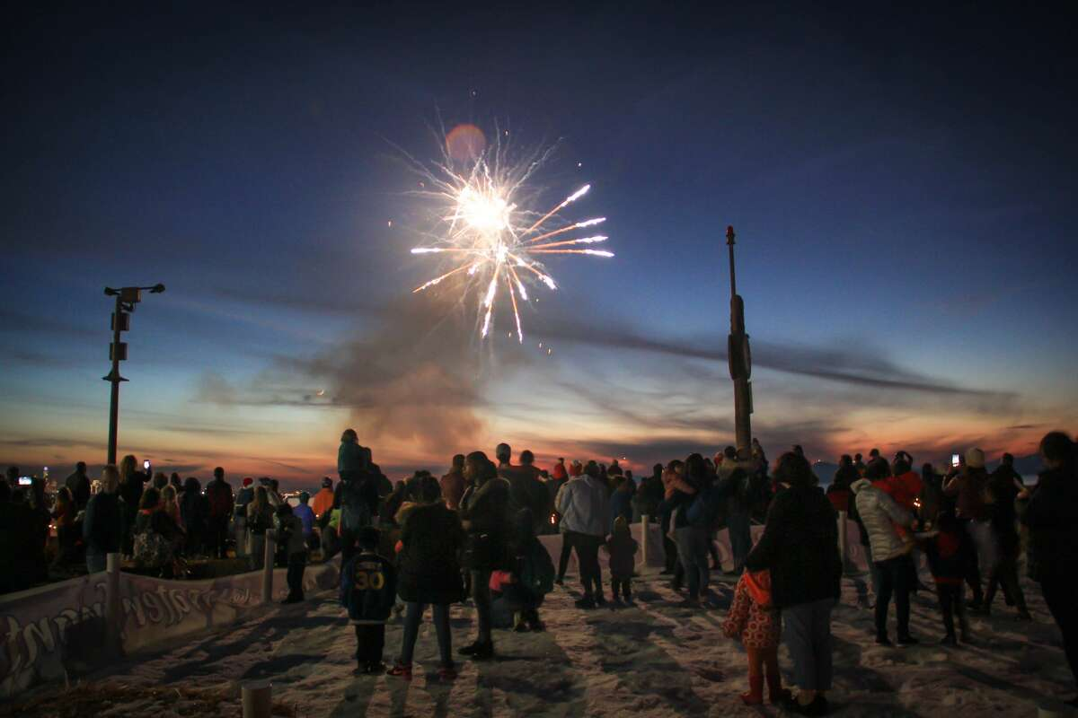 On the Berkeley waterfront, families can enjoy a real snow play area, arts and crafts, face painting, holiday music, a photo booth, carnival games, holiday treats, hot cocoa, a lighted boat parade and visits with Santa. The night culminates with a fireworks display.