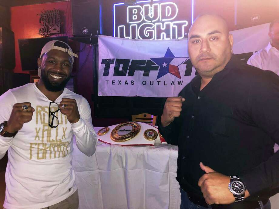 "Austin ""No Doubt"" Trout, left, and TOFF Texan CEO David Leal were at TKO Sports Café Thursday to promote Friday's Fight Fest 3 event. Photo: Clara Sandoval /Laredo Morning Times"