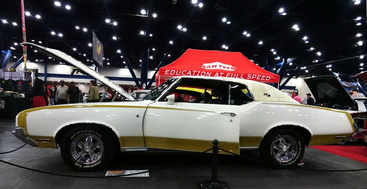 The 1972 Hurst/Olds was based on Oldsmobile's popular Cutlass Supreme. William Soo owns this example.