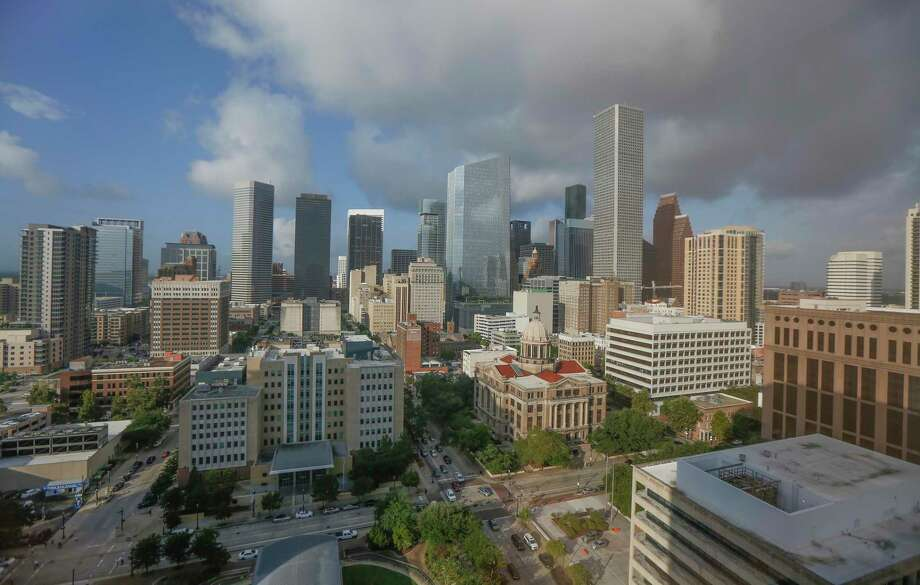 The outlook for Houston's economy next year? Slow, economists say. Photo: Steve Gonzales, Houston Chronicle / Staff Photographer / © 2019 Houston Chronicle
