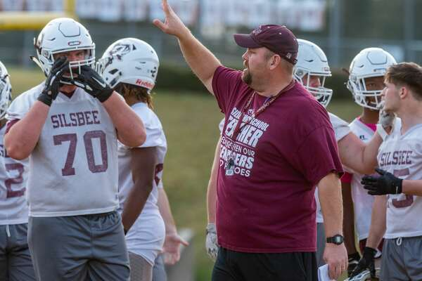 The Silsbee Tigers Coach Randy Smith calls out plays in practice on Thursday afternoon to prepare for their game against West Orange-Stark. Fran Ruchalski/The Enterprise