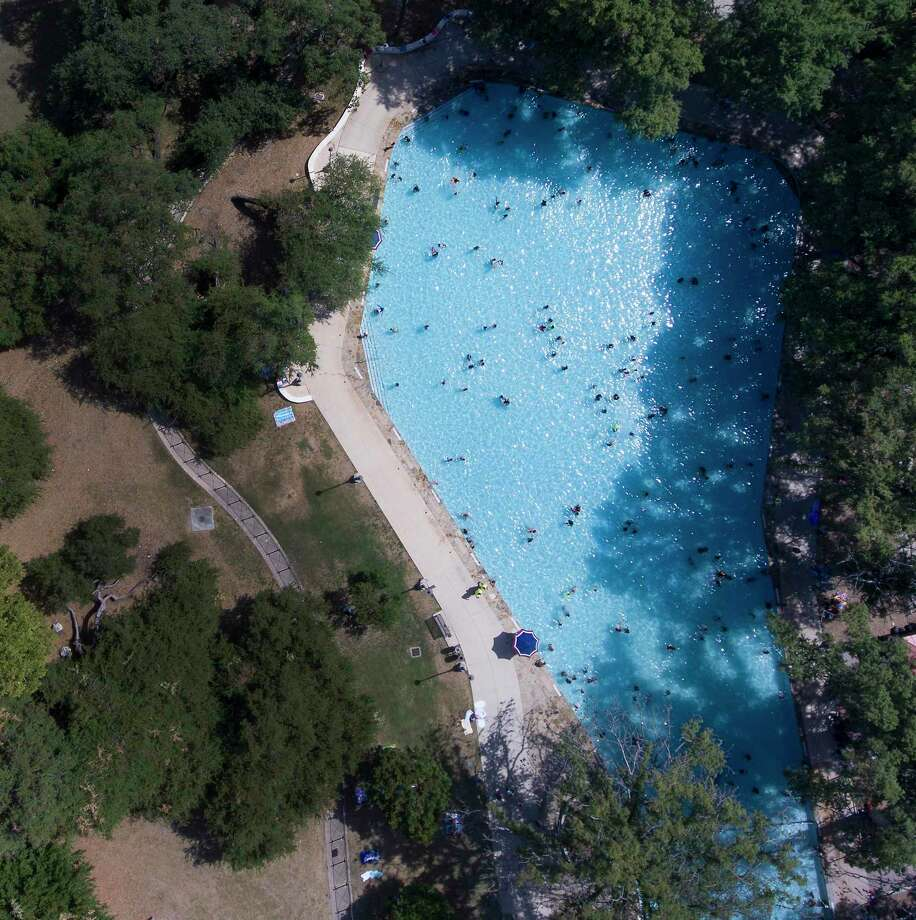 While Gov. Greg Abbott is allowing pools to start opening on Friday, San Antonio city pools won't be following suit. Photo: William Luther /San Antonio Express-News / © 2018 San Antonio Express-News