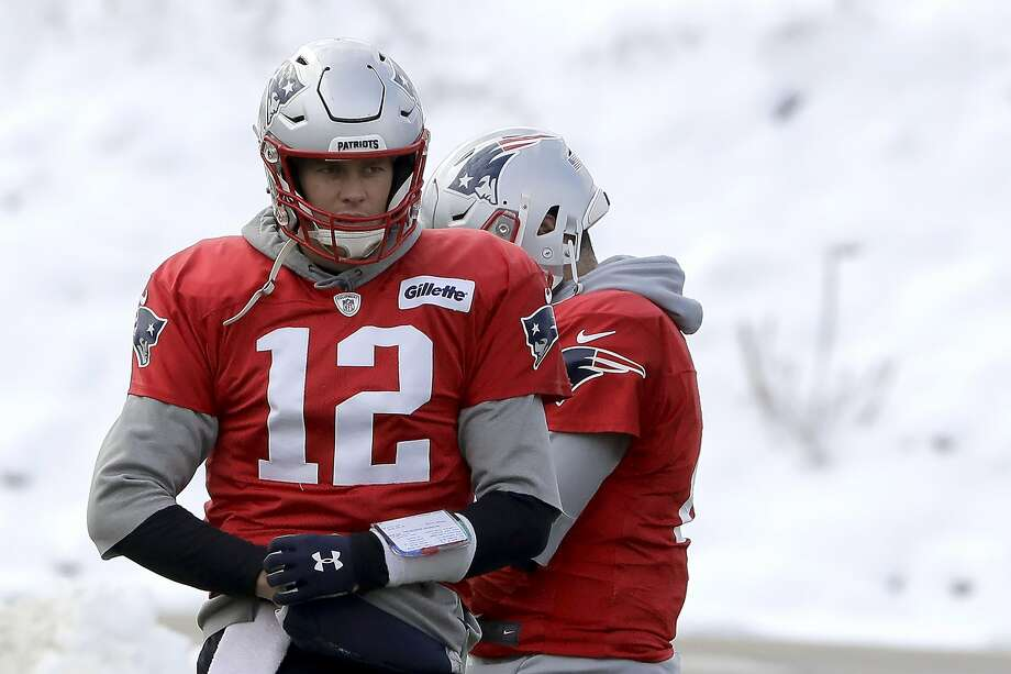 Tom Brady is averaging 26 fewer passing yards per game and has thrown 18 TD passes with six interceptions. Photo: Steven Senne / Associated Press