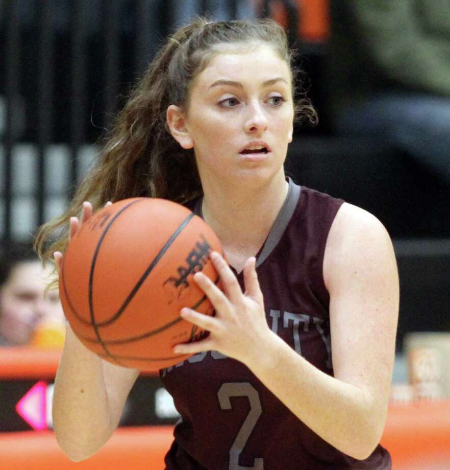 Abbey Salcido prepares to deliver a pass for Cass City in a recent 2019-20 season game. Photo: Eric Rutter/Huron Daily Tribune