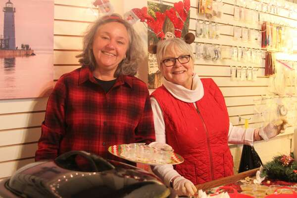 The Victorian Sleighbell Parade and Old Christmas Weekend was off to a good start on Friday. The annual soup cook off brought hundreds of people to downtown businesses in Manistee.