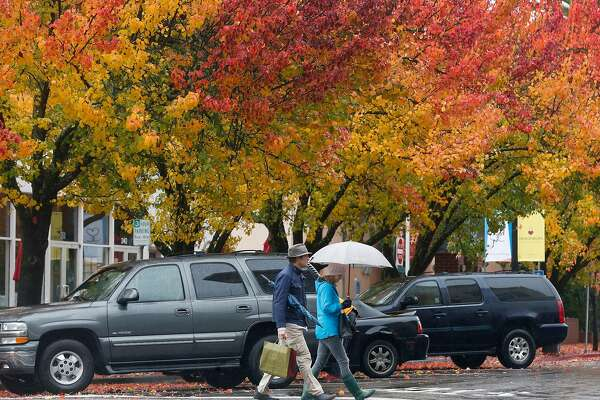 Widespread rain, thunderstorms in Bay Area before dry weather Monday