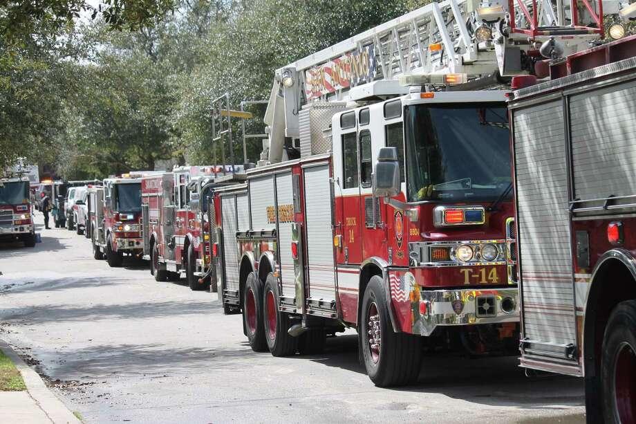 San Antonio Fire Department vehicles. Photo: Fares Sabawi/San Antonio Express-News