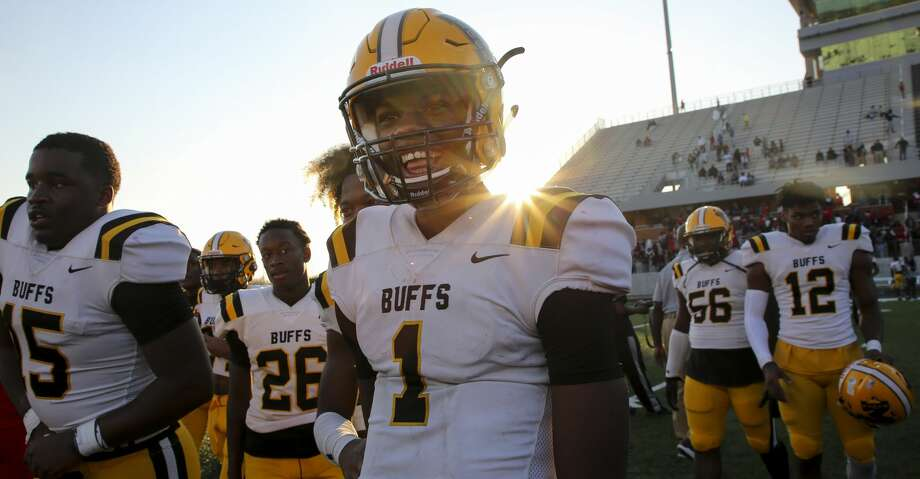 Fort Bend Marshall quarterback Malik Hornsby (1) smiles after his team defeated Manvel High School 40-10 at Freedom Stadium Saturday, Dec. 7, 2019, in Rosharon, Texas. Fort Bend Marshall advanced to the semifinals. Photo: Godofredo A Vásquez/Staff Photographer