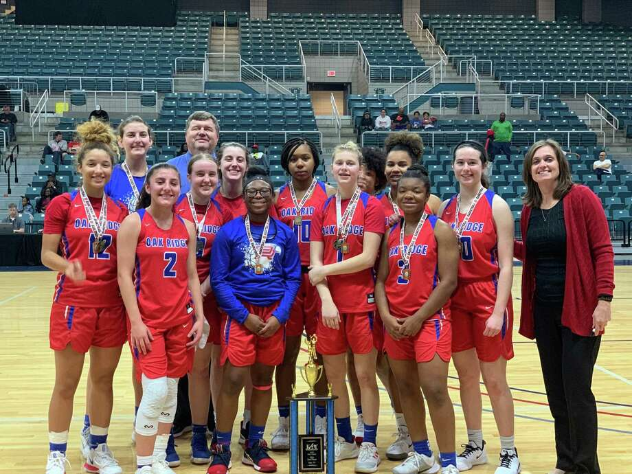 Oak Ridge placed second in the Katy Classic. The Lady War Eagles are 15-2 to start the season. Photo: Submitted / Submitted