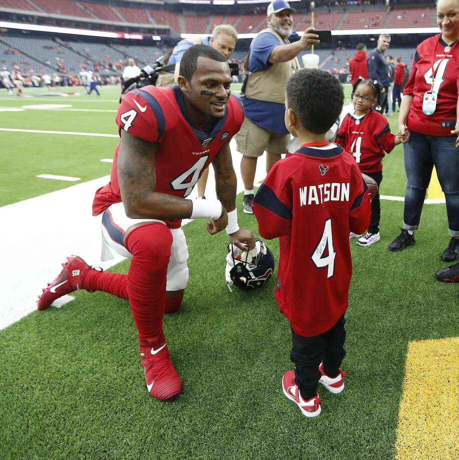 PHOTOS: A look at Daylon Watkins during pregame warmups Sunday Houston Texans fan Daylon Watkins, 7, talks with Texans quarterback Deshaun Watson before an NFL football game against the Denver Broncos at NRG Stadium on Sunday, Dec. 8, 2019, in Houston. Watkins comes to the game through the Make-A-Wish Foundation. Watkins has been diagnosed with Severe Aplastic Anemia and has spent the past couple days visiting with Texans quarterback Deshaun Watson and the rest of the Texans. Browse through the photos above for a look at Daylon Watkins talking to Texans players before Sunday's game ... Photo: Karen Warren/Staff Photographer