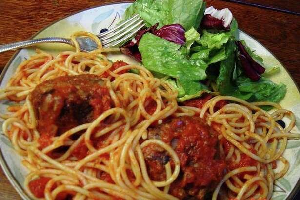 Spaghetti and meatballs (Linda Gassenheimer/TNS)