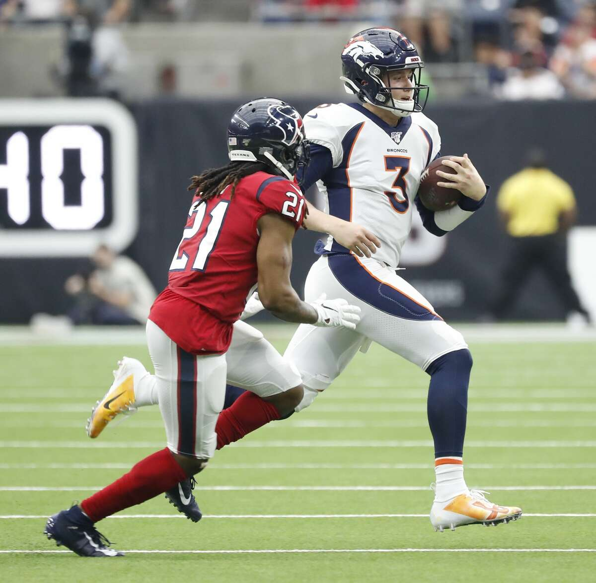 Bradley Roby played the most snaps among Texans cornerbacks Sunday, but was pulled from the game for part of the first half.