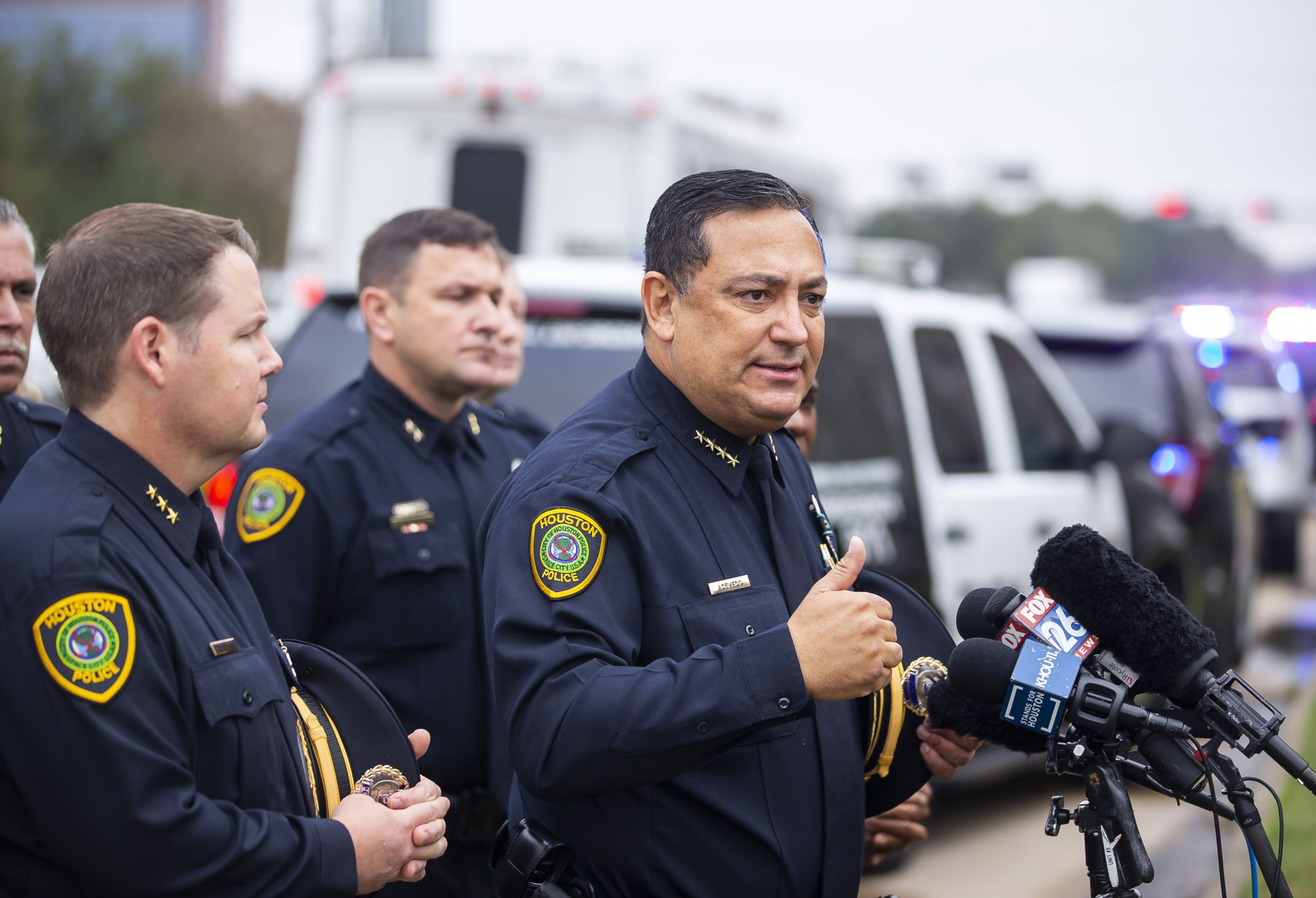 Acevedo calls out Cornyn, Cruz, McConnell after Houston sergeant fatally shot by 'domestic abuser'