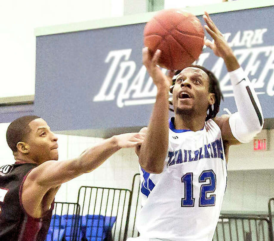 Jalen Morgan of LCCC scored 13 points in his team's 90-67 los to No. 8-ranked Mineral Area College of Flat River, Mo. Sunday night in the St. Louis Rawlings JUCO Shootout at STLCC-Forest Park. Photo: Jan Dona File | For The Telegraph