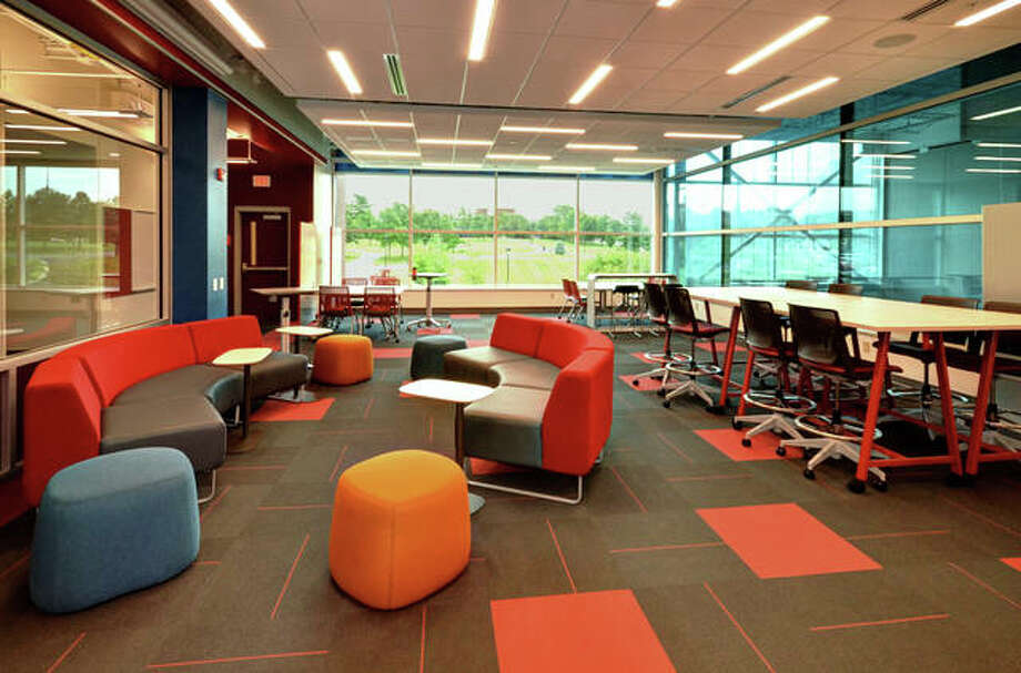 Louer Facility Planning, Inc., in Collinsville, helped the Southern Illinois University Edwardsville School of Engineering develop a new space in The Fowler Student Design Center where students can develop conceptual designs and bring projects to life.
