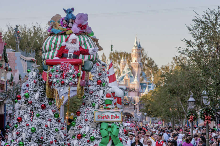 Planning on hitting Disneyland this Christmas? Here's how to visit the happiest place on Earth during the most festive time of the year. Scroll ahead to see some tips about how to save some cash while at the parks. Pictured: The Disneyland Resort transforms into the Merriest Place on Earth for the holiday season, Nov. 8, 2019, through Jan. 6, 2020. Photo: Joshua Sudock/Joshua Sudock/Disneyland Resort / © 2018 Disney Enterprises, Inc. All Rights Reserved. For editorial news use only.
