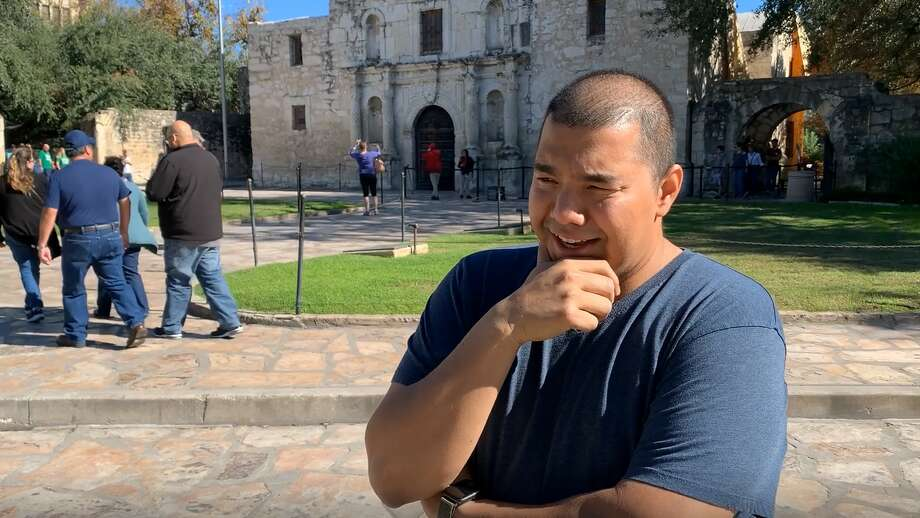 Michael Reyes, from Tysons Corner, VA., recalls the Battle of the Alamo. Photo: Mark Dunphy