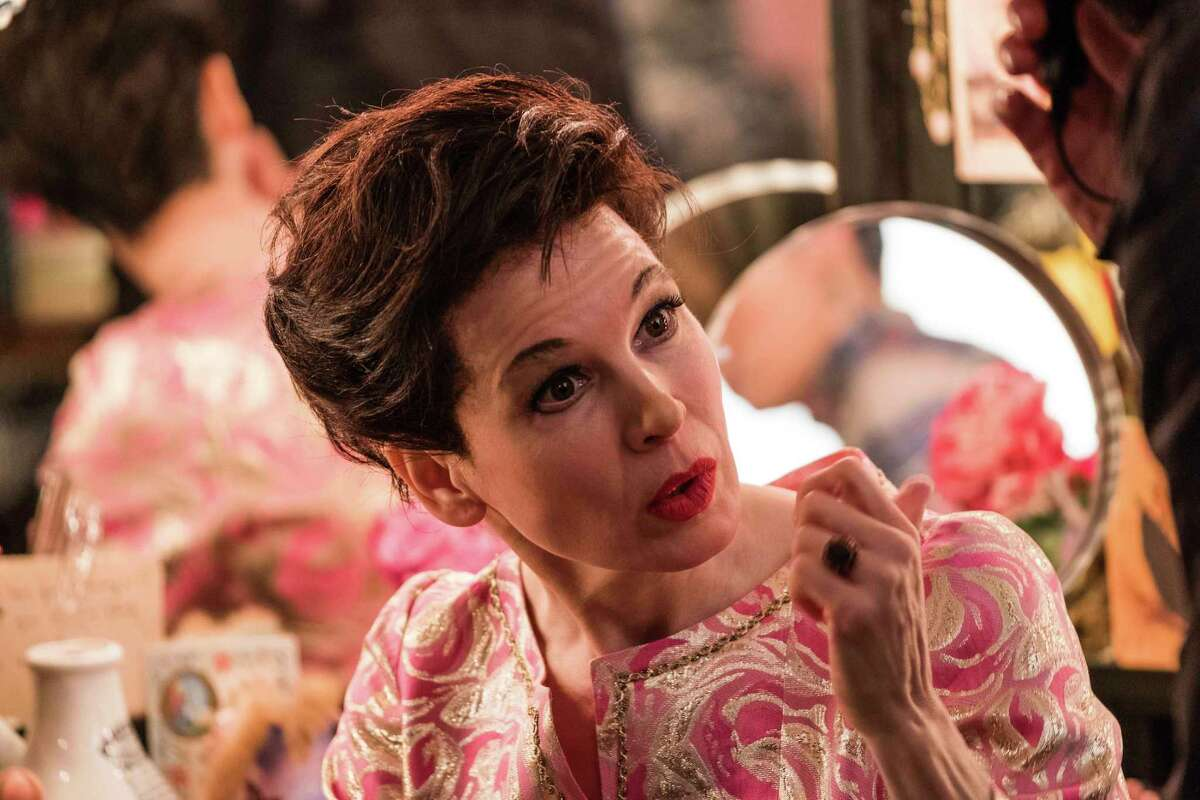 Renée Zellweger disappears into the role of Judy Garland in