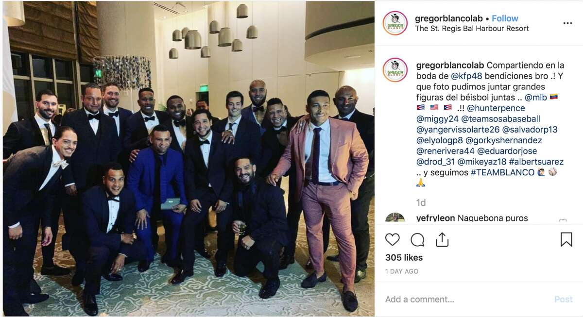 Former and current MLB players attend the wedding of Pablo Sandoval.