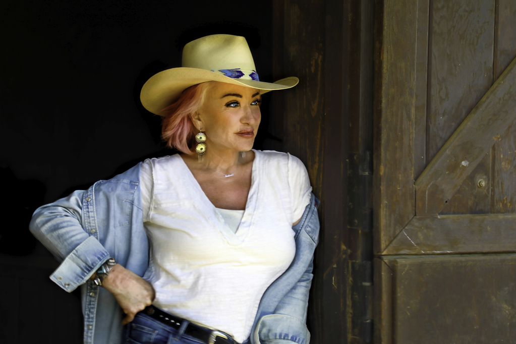 Country legend Tanya Tucker is bringing her 'Flowers' to Houston