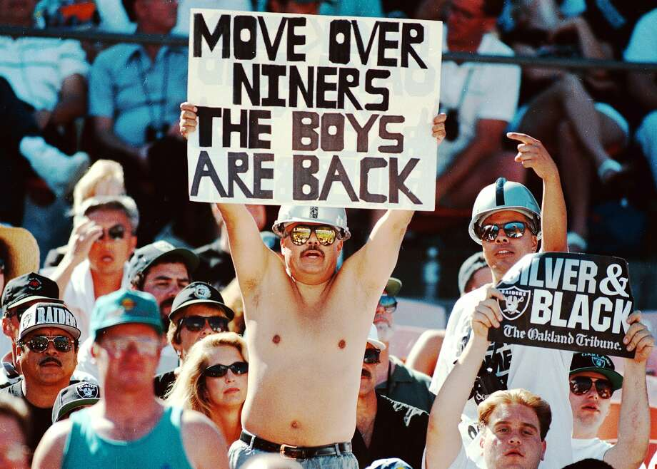 The Raiders final game in Oakland is Sunday. Here's what the Black Hole looked like in 1995
