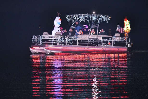 Laredoans flocked to Lake Casa Blanca International State Park to enjoy the 6th Annual Christmas Boat Parade.