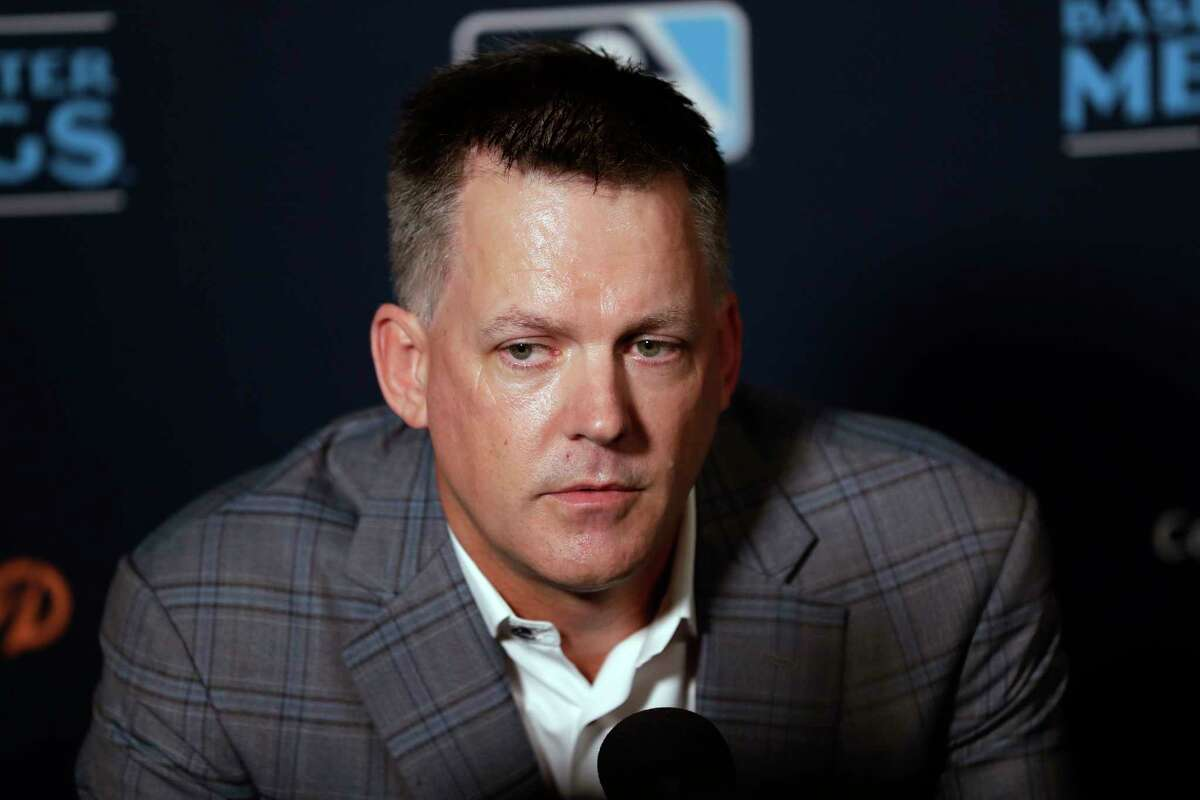 Astros manager A.J. Hinch was on the receiving end of a media interrogation at MLB's Winter Meetings in San Diego on Tuesday.