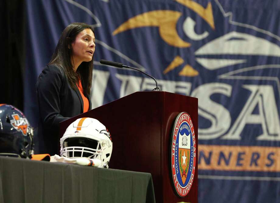 UTSA's Athletics Director Lisa Campos Photo: Kin Man Hui /Staff File Photo / **MANDATORY CREDIT FOR PHOTOGRAPHER AND SAN ANTONIO EXPRESS-NEWS/NO SALES/MAGS OUT/ TV OUT